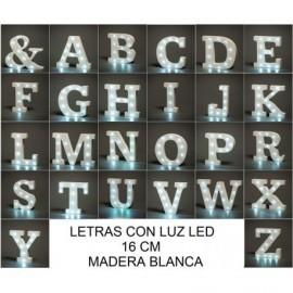 LETRAS MADERA BLANCA CON LUZ LED 16 CM